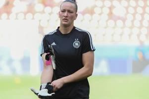 Schult kritisiert Clubs wegen Frauenfußball-Verweigerung