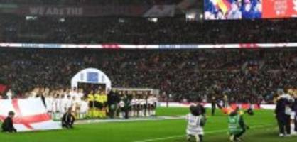 frauen-fussball: grosse kulisse im wembley