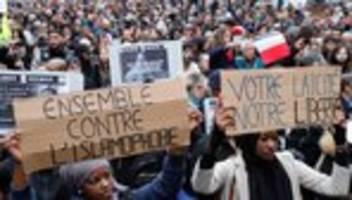 Paris: Tausende demonstrieren gegen Islamophobie