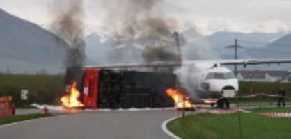 Notfallübung am Berner Flughafen: Wenn das Flugzeug gegen einen Bus prallt