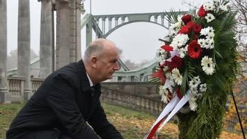 Gedenken an Öffnung der Glienicker Brücke vor 30 Jahren