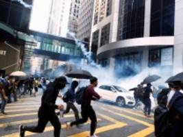 hongkong: wer protestiert, gilt nun als feind der bevölkerung