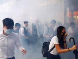 Proteste in Hongkong: Polizei schießt auf Demonstranten - ein Verletzter