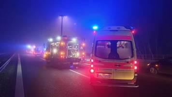 Nachrichten aus Deutschland: Familienvater steigt nach Nebelunfall aus Pkw – und wird von mehreren Autos überrollt
