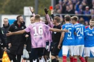 Fußball: Zwei Spiele Sperre für HSV-Profi Jatta nach Roter Karte