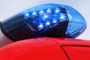 Unfälle: Vier Menschen bei Autounfall auf der B76 in Kiel verletzt