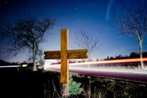 Unfälle: 16-jähriger Moped-Fahrer stirbt nach Verkehrsunfall