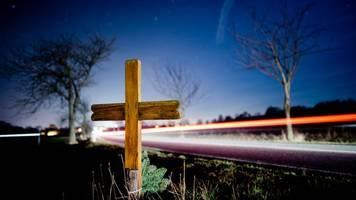16-jähriger Moped-Fahrer stirbt nach Verkehrsunfall