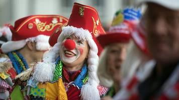närrische zeit beginnt: zum karnevalsbeginn 1000 polizisten in köln