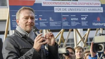 lindner fordert mehr meinungsfreiheit vor der uni hamburg