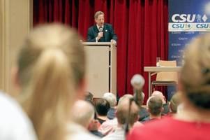 Hans-Georg Maaßen wird in Augsburg bejubelt - und spaltet die CSU