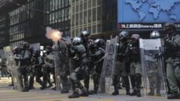 proteste in hongkong: schüsse, feuer, eskalation