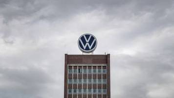 Vier ehemalige und aktuelle VW-Manager wegen Untreue angeklagt