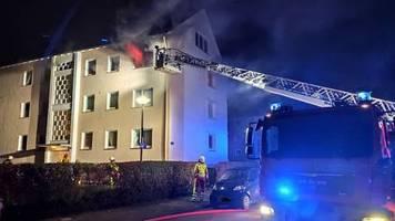Nachrichten aus Deutschland: Mann zündet Wohnung seiner Ex-Freundin an - Bewohner verletzt