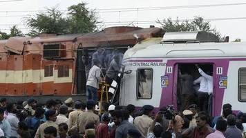 Unfall in Indien: Überwachungsvideo zeigt Moment, in dem zwei Züge kollidieren