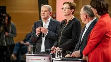 SPD-Vorsitzkandidaten streiten über Bewertung der Grundrenten-Einigung