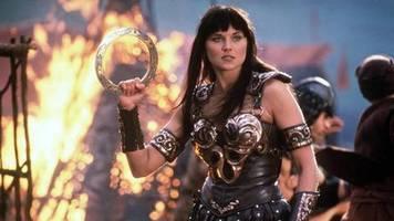 Legendäre Kriegsprinzessin: So sieht Xena-Star Lucy Lawless heute aus