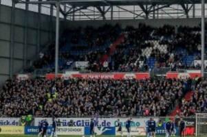 Beim Derby: HSV-Anhänger sorgen in Kieler Fanblock für Ärger