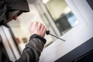 Schleswig-Holstein: Einbrecher durchsuchen zwei Häuser in Großhansdorf