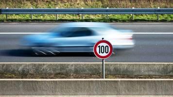 klimaschutz: niederlande beschließen tempo 100 auf autobahnen – von 6 bis 19 uhr