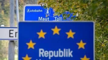 Probleme mit Ausweichverkehr: Österreich will Autobahnen in Grenznähe von Maut befreien