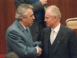Heute vor 30 Jahren: Mielke blamiert sich, Modrow regiert