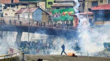 proteste nach amtsantritt von boliviens Übergangspräsidentin