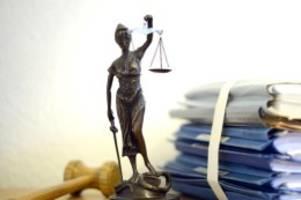 Prozesse: Mann mit Hantel getötet: Staatsanwalt will acht Jahre Haft