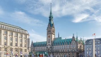 Umfrage sieht drei Monate vor Hamburg-Wahl Grüne vor SPD