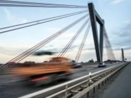Meinung am Mittag: Verkehrspolitik: Autobahnen sind für alle da - nicht nur für Raser