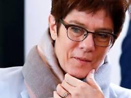 CDU-Arbeitnehmer rügen Merz: Sozialflügel will Ende der Attacken auf AKK