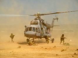 Kampfhubschrauber in Nordsyrien: Russland stockt früheren US-Stützpunkt auf
