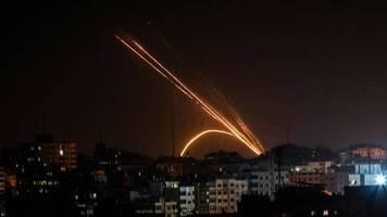 Die Morgenlage: Trotz Berichten über Waffenruhe: Heftige Raketenangriffe auf Israel