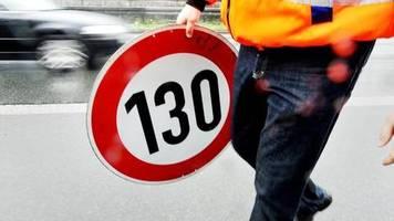 Hofreiter fordert 130: Grüne pochen auf Tempolimit auf deutschen Autobahnen
