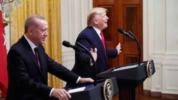 Besuch in Washington: Die Impeachment-Anhörung hat Trump sich nicht angeschaut – was er stattdessen gemacht hat