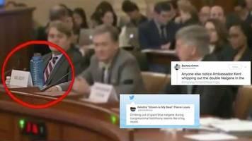 Impeachment gegen Trump: Fox-Moderatoren beleidigen US-Diplomaten, weil er Wasser trinkt – auf Twitter amüsieren sich die Zuschauer