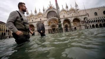 Markusplatz wegen erneuter Überschwemmungen in Venedig geschlossen