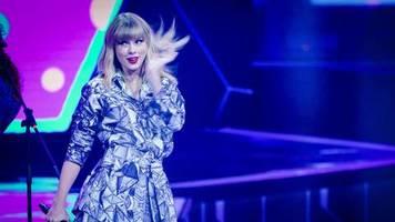 Rechte an Liedern: Taylor Swift: Wird ihr verboten, alte Songs zu singen?