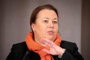 Umwelt: Umweltminister: Ab 2030 nur klima-neutrale Autos zulassen