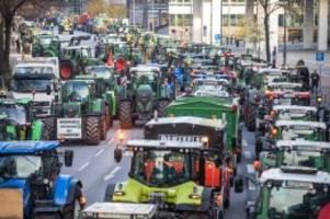 Demo der Landwirte: Bauer sucht Stau: Die Invasion der Traktoren in Hamburg