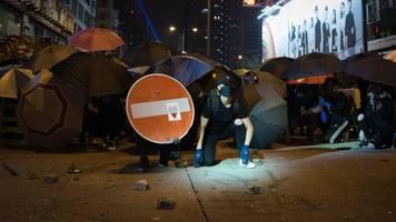 Gewalt bei Protesten: Weiteres Todesopfer nach Zusammenstößen in Hongkong