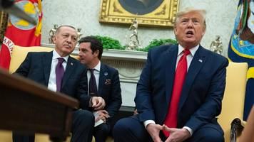 trump empfängt erdogan: erdogan zeigt anti-kurden-video im weißen haus