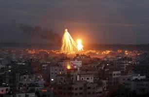 Israels Luftwaffe greift Ziele militanter Palästinenser an