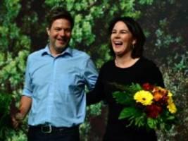 Grünen-Parteitag in Bielefeld: Die Erwartungen an Baerbock und Habeck wachsen