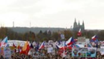 Prag: Hunderttausende demonstrieren gegen Ministerpräsident Andrej Babiš