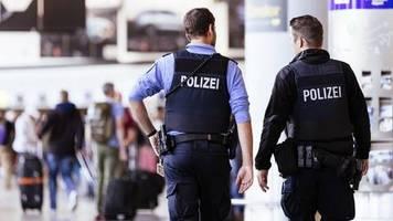 deutschland: nach abschiebung aus der türkei: zwei mutmaßliche is-frauen in frankfurt gelandet