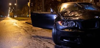Geisterfahrer rast in Menschengruppe – zwei Schwerverletzte