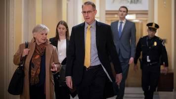 Ukraine-Affäre: Mitarbeiter aus dem Weißen Haus sagt in Impeachment-Untersuchung aus