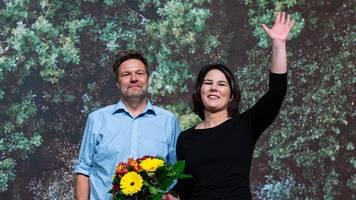 Bundesparteitag in Bielefeld: Baerbock und Habeck erneut an die Spitze der Grünen gewählt