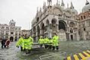 Wetterchaos - Venedig kämpft mit Wassermassen - andere Teile Italiens ächzen unter Schneelasten